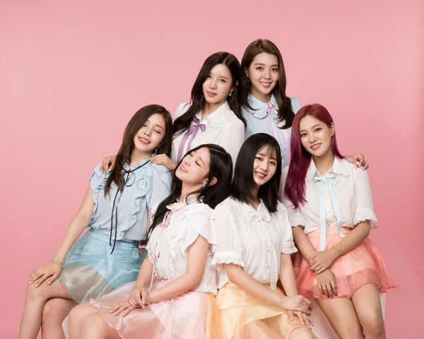 Tags: K-Pop, Berry Good, Gowoon, Taeha, Johyun, Kang Sehyung, Daye, Seoyul, Grin, Pink Skirt, Eyes Closed, Full Group