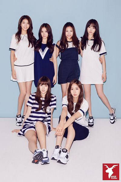 Tags: K-Pop, G-friend, SinB, Eunha, Umji, Yuju, Sowon, Jung Yerin, Dress, Pants, Holding Close, Sitting On Ground