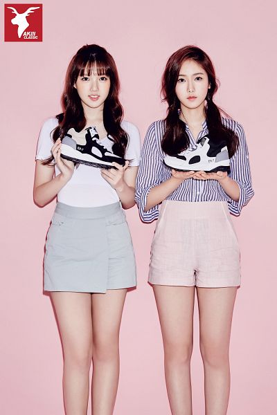 Tags: K-Pop, G-friend, SinB, Jung Yerin, Shorts, Striped, Twin Tails, Pink Background, Sneakers, Skirt, Two Girls, Striped Shirt