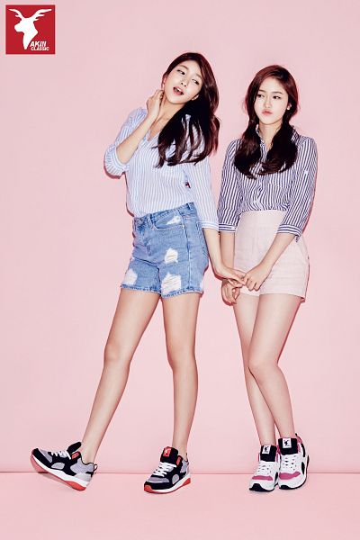 Tags: K-Pop, G-friend, Sowon, SinB, Duo, Full Body, Blue Shorts, Shoes, Striped, Sneakers, Denim Shorts, Shorts