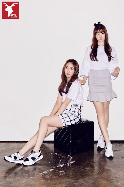 Tags: K-Pop, G-friend, Jung Yerin, SinB, Sneakers, Skirt, Hand On Shoulder, Bent Knees, Gray Background, Full Body, Short Sleeves, Sitting