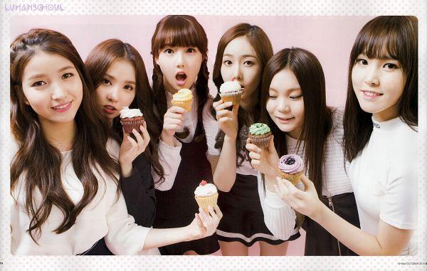 Tags: K-Pop, G-friend, Jung Yerin, SinB, Eunha, Umji, Yuju, Sowon, Sweets, Full Group, Twin Braids, Pink Background