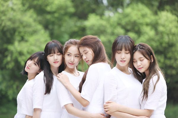 Tags: K-Pop, G-friend, SinB, Eunha, Umji, Yuju, Sowon, Jung Yerin, Tree, White Dress, Plant, Short Sleeves