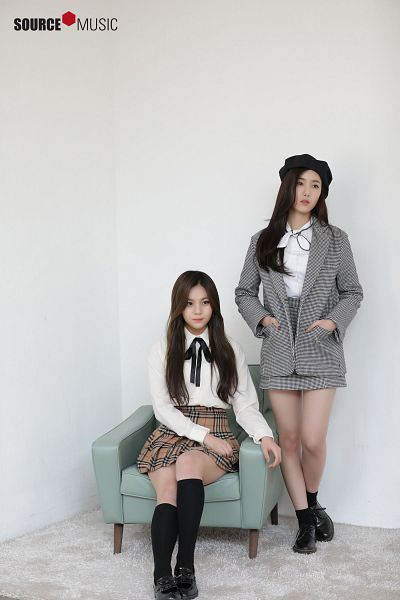 Tags: K-Pop, G-friend, Umji, SinB, Carpet, Gray Jacket, Armchair, Socks, Gray Outerwear, Black Footwear, Hat, Knee Socks