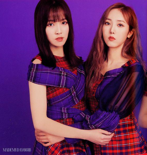 Tags: K-Pop, G-friend, Memoria, Yuju, SinB, Holding Close, Red Hair, Two Girls, Plaided Print, Duo, Plaided Dress, Serious