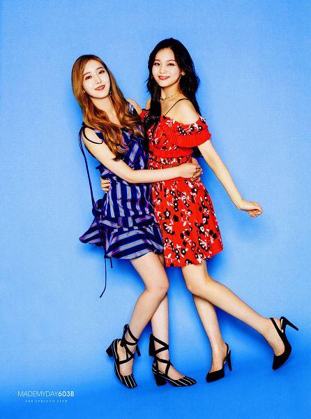 Tags: K-Pop, G-friend, Umji, SinB, Full Body, Blue Dress, Duo, Hug, Holding Close, Red Dress, Two Girls, Blue Background