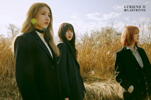 Tags: K-Pop, G-friend, Sowon, Jung Yerin, Eunha, Looking Ahead, Hand In Pocket, Three Girls, Black Outerwear, Black Jacket, Serious, Trio