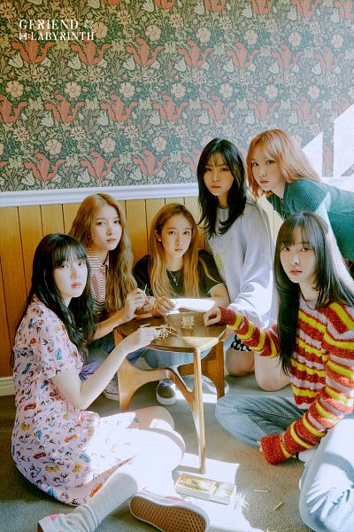 Tags: K-Pop, G-friend, Sowon, Jung Yerin, SinB, Eunha, Umji, Yuju, Serious, Striped Shirt, Full Group, Table