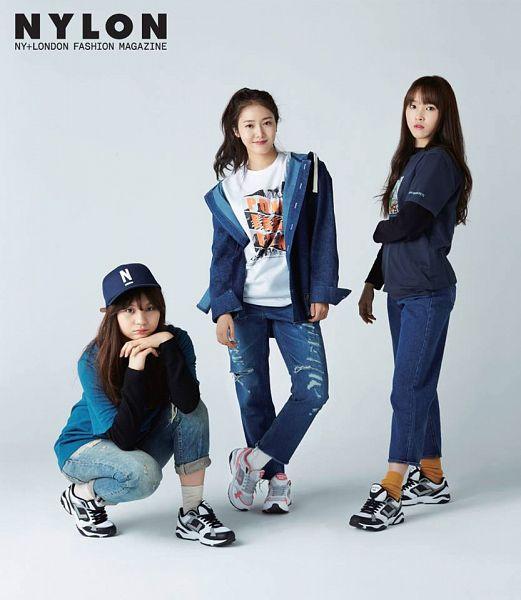 Tags: K-Pop, G-friend, SinB, Umji, Yuju, Crouching, Trio, Three Girls, Nylon, Magazine Scan