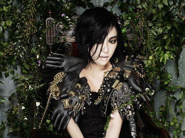 Tags: K-Pop, Brown Eyed Girls, Ga-In, Gloves, Black Gloves, Gray Background, Medium Hair