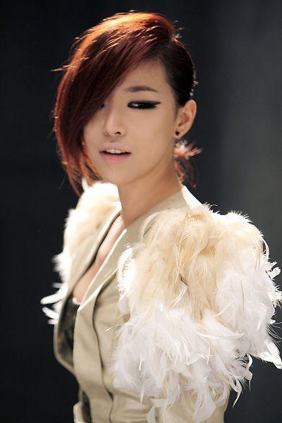 Tags: K-Pop, Brown Eyed Girls, Ga-In, White Outerwear, Eyes Half Closed, Black Background, White Jacket, Dark Background, Looking Away