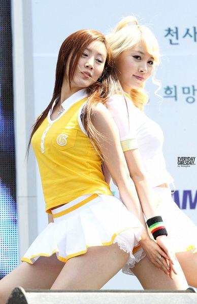 Tags: K-Pop, Girls' Day, Jihae, Yura