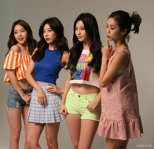 Tags: K-Pop, Girls' Day, Lee Hyeri, Bang Minah, Yura, Park Sojin