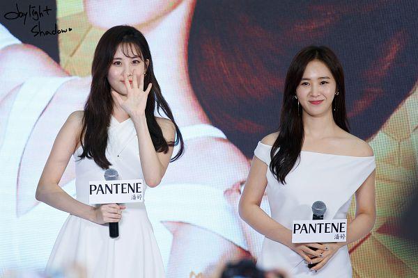 Tags: K-Pop, Girls' Generation, Seohyun, Kwon Yuri, Wallpaper