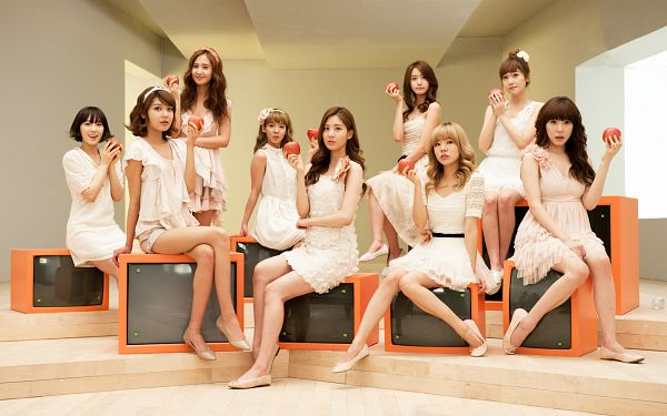 Tags: K-Pop, Girls' Generation, Kim Tae-yeon, Kim Hyo-yeon, Stephanie Young Hwang, Sooyoung, Seohyun, Sunny, Im Yoona, Jessica Jung, Kwon Yuri, White Outfit