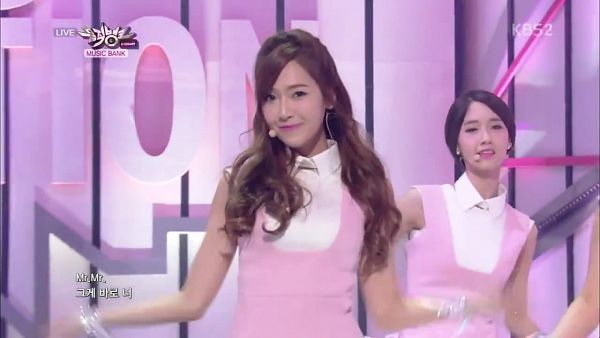 Tags: SM Town, K-Pop, Girls' Generation, Mr.Mr., Im Yoona, Jessica Jung, Pink Outfit, Two Girls, Wavy Hair, Duo, Pink Dress, Music Bank