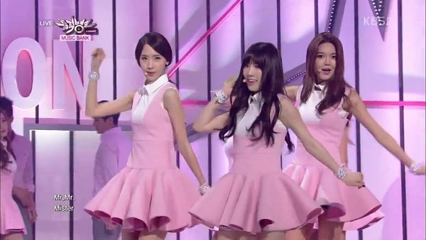 Tags: SM Town, K-Pop, Girls' Generation, Mr.Mr., Sooyoung, Im Yoona, Kim Tae-yeon, Pink Dress, Trio, Three Girls, Matching Outfit, Pink Outfit