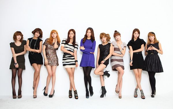 Tags: K-Pop, Girls' Generation, Sooyoung, Im Yoona, Jessica Jung, Kwon Yuri, Kim Tae-yeon, Kim Hyo-yeon, Stephanie Young Hwang, Seohyun, Sunny, Brown Outfit
