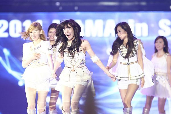 Tags: K-Pop, SM Town, Girls' Generation, Kwon Yuri, Stephanie Young Hwang, Kim Tae-yeon