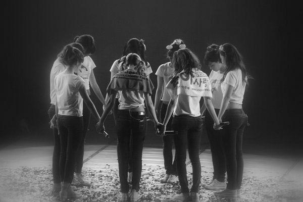 Tags: K-Pop, Girls' Generation, SM Town, Kwon Yuri, Sooyoung, Kim Hyo-yeon