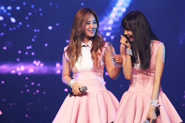 Tags: K-Pop, SM Town, Girls' Generation, Im Yoona, Kwon Yuri, Wallpaper