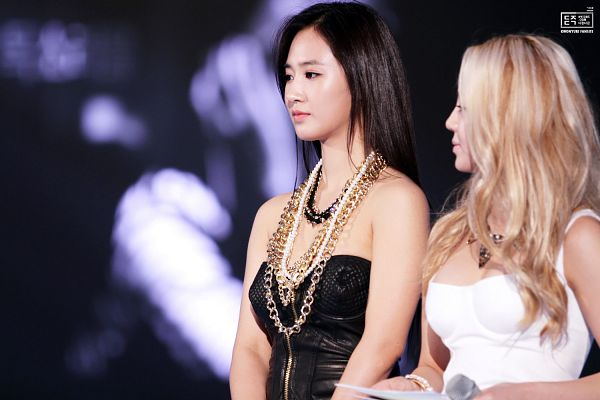 Tags: K-Pop, SM Town, Girls' Generation, Kim Hyo-yeon, Kwon Yuri, Wallpaper