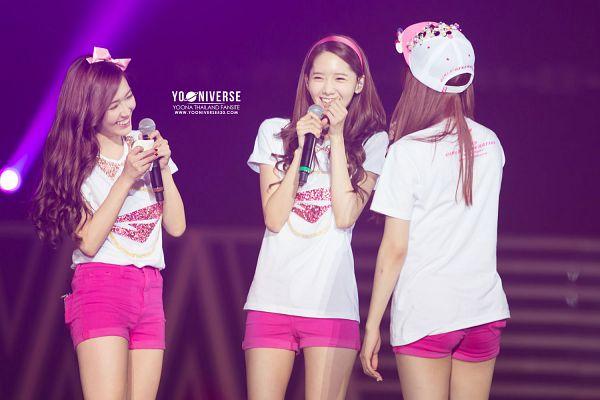 Tags: K-Pop, SM Town, Girls' Generation, Kwon Yuri, Stephanie Young Hwang, Im Yoona, Wallpaper