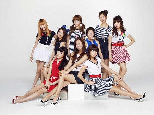 Tags: K-Pop, Girls' Generation, Sooyoung, Stephanie Young Hwang, Seohyun, Sunny, Im Yoona, Jessica Jung, Kwon Yuri, Kim Tae-yeon, Kim Hyo-yeon, Hand On Knee