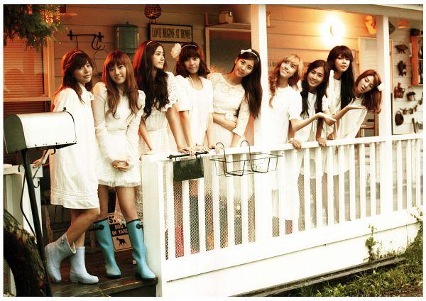 Tags: K-Pop, Girls' Generation, Kwon Yuri, Kim Tae-yeon, Kim Hyo-yeon, Stephanie Young Hwang, Sooyoung, Seohyun, Sunny, Im Yoona, Jessica Jung, Looking Away