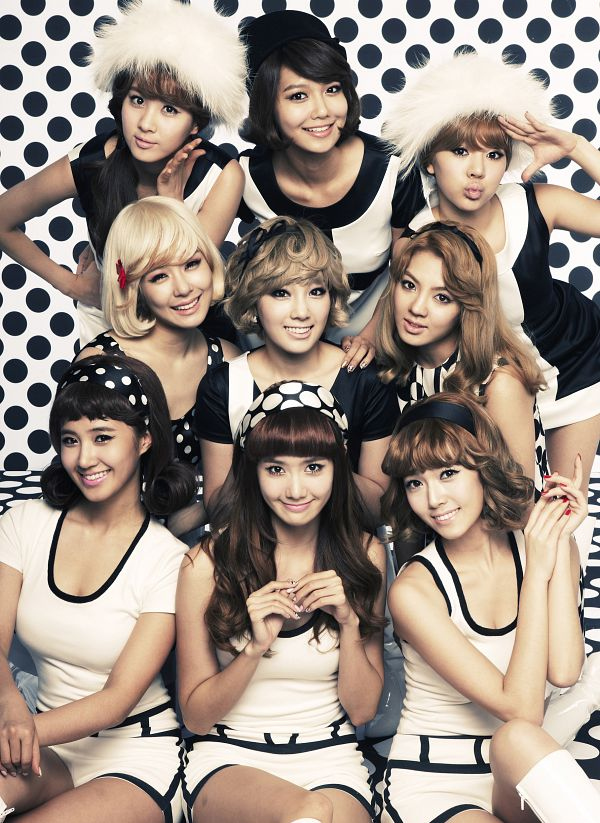 Tags: K-Pop, Girls' Generation, HOOT, Im Yoona, Jessica Jung, Sooyoung, Kwon Yuri, Kim Tae-yeon, Kim Hyo-yeon, Stephanie Young Hwang, Seohyun, Sunny