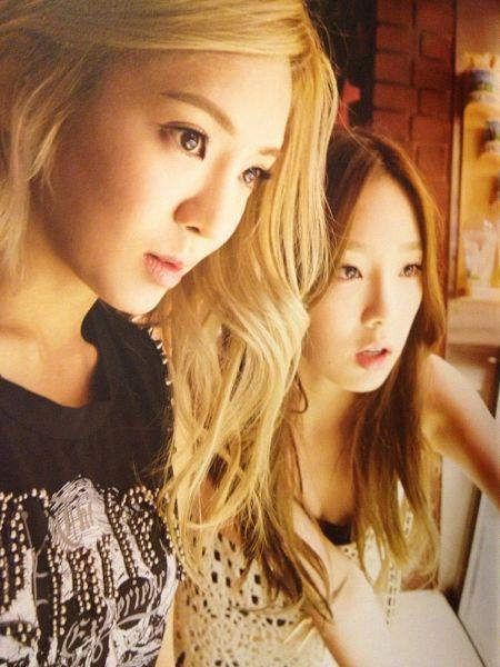 Tags: SM Town, K-Pop, Girls' Generation, Kim Tae-yeon, Kim Hyo-yeon, Duo, Black Outfit, Black Dress, Two Girls, Android/iPhone Wallpaper, Girls' Generation In Las Vegas