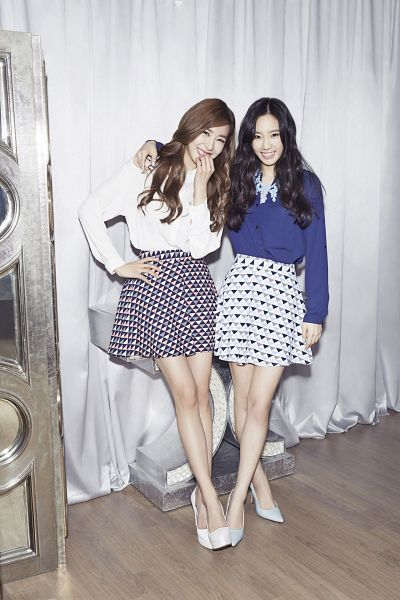 Tags: SM Town, K-Pop, Girls' Generation, Stephanie Young Hwang, Kim Tae-yeon, Two Girls, Arm Around Shoulder, Duo, Blue Shirt, Hand On Hip, High Heels, White Footwear