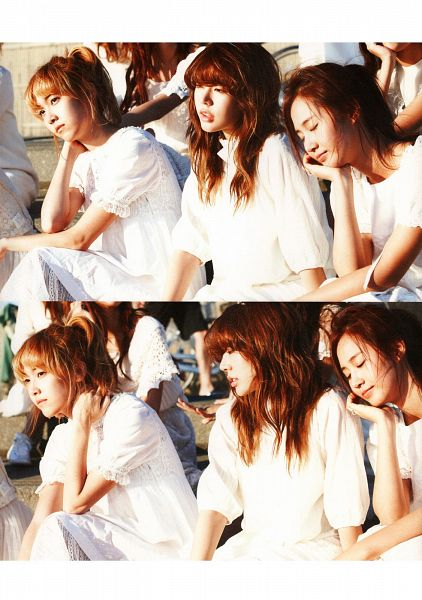 Tags: SM Town, K-Pop, Girls' Generation, Seohyun, Sunny, Jessica Jung, Eyes Closed, Chin In Hand, White Outfit, Looking Ahead, Trio, Three Girls