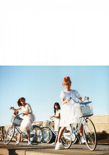 Tags: SM Town, K-Pop, Girls' Generation, Jessica Jung, Sooyoung, Seohyun, White Footwear, Trio, Bicycle, Shoes, Three Girls, Matching Outfit