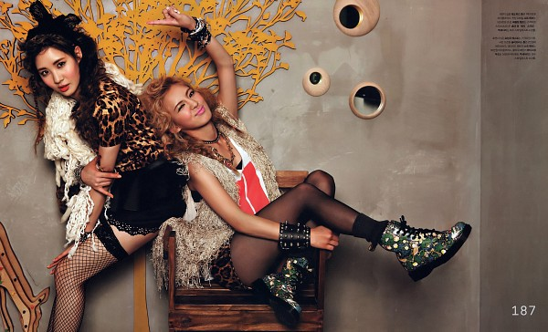 Tags: K-Pop, Girls' Generation, Seohyun, Kim Hyo-yeon, Sitting On Chair, Duo, Necklace, Fishnets, Hand On Arm, Pantyhose, Skirt, Black Skirt