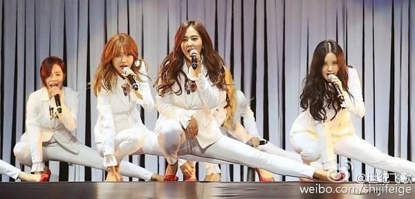 Tags: K-Pop, Girls' Generation, The Boys, Seohyun, Kwon Yuri, Sooyoung, Sunny, Kneeling, White Jacket, High Heels, White Pants, Red Footwear