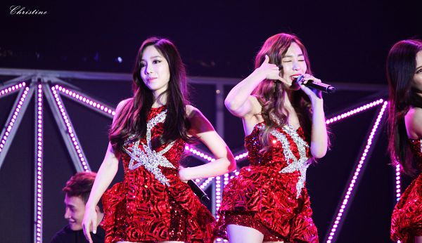 Tags: K-Pop, Girls' Generation, Stephanie Young Hwang, Kim Tae-yeon, Hand On Hip, Looking Ahead, Matching Outfit, Red Outfit, Eyes Closed, Red Dress, Wallpaper, HD Wallpaper