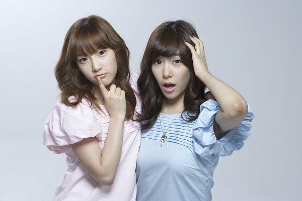 Tags: SM Town, K-Pop, Girls' Generation, Stephanie Young Hwang, Kim Tae-yeon, Wallpaper