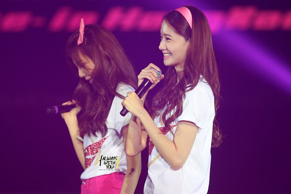 Tags: K-Pop, Girls' Generation, Stephanie Young Hwang, Im Yoona, Matching Outfit, Hairband, Two Girls, Hair Ornament, Headdress, Pink Bow, Shorts, Pink Headwear