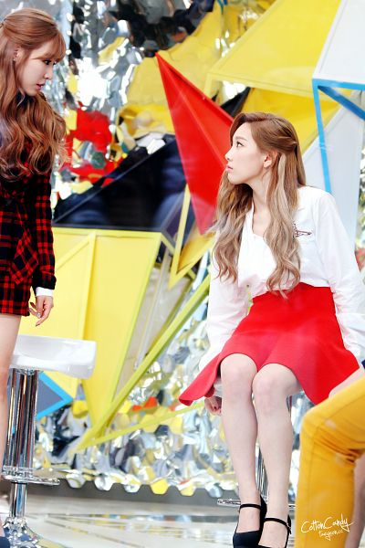 Tags: K-Pop, Girls' Generation, Stephanie Young Hwang, Kim Tae-yeon, Two Girls, Red Outerwear, Looking At Another, Red Jacket, High Heels, Duo, Checkered, Sitting On Chair