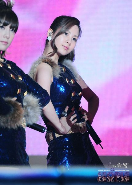 Tags: K-Pop, Girls' Generation, HOOT, Seohyun, Kim Tae-yeon, Hand On Waist, Bare Shoulders, Two Girls, Matching Outfit, Sleeveless Dress, Belt, Blue Outfit