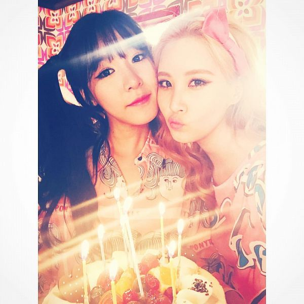 Tags: SM Town, K-Pop, Girls' Generation, Seohyun, Stephanie Young Hwang, Hair Bow, Sweets, Bow, Cake, Fruits, Candle, Pink Outfit