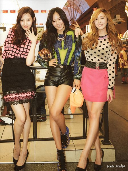 Tags: K-Pop, SM Town, Girls' Generation, Seohyun, Kwon Yuri, Jessica Jung