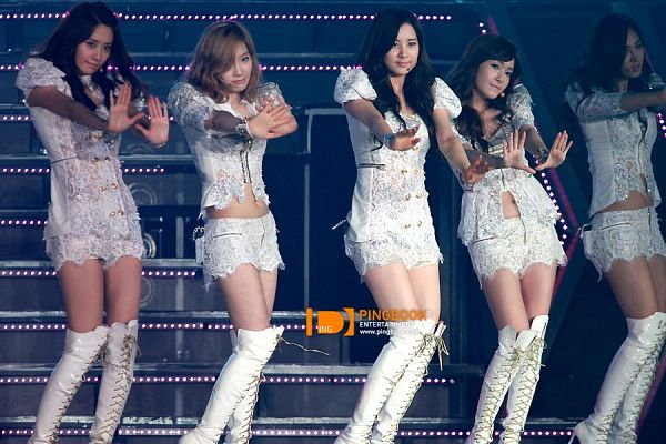 Tags: K-Pop, SM Town, Girls' Generation, Kwon Yuri, Jessica Jung, Kim Tae-yeon