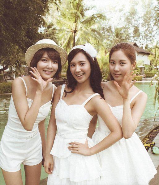 Tags: K-Pop, SM Town, Girls' Generation, Seohyun, Kwon Yuri, Sooyoung