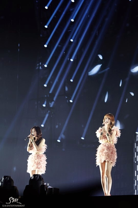 Tags: SM Town, K-Pop, Girls' Generation, Im Yoona, Sunny, Matching Outfit, Spotlight, Singing, Stage, Two Girls, Duo, Live Performance