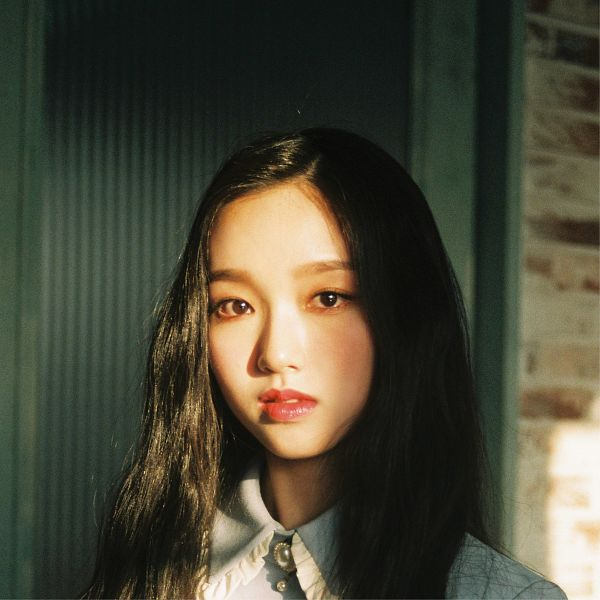 Tags: K-Pop, LOOΠΔ, One&Only, Go Won, Blush (Make Up), Serious, Red Lips, Make Up