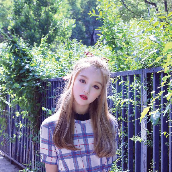 Tags: K-Pop, LOOΠΔ, Go Won, Serious, Short Sleeves, Plant, Head Tilt, Fence, Checkered, Red Lips, Checkered Shirt, Tree