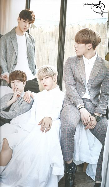Tags: K-Pop, K-Drama, Got7, JB, Choi Youngjae, Mark, Kim Yugyeom, Quartet, Bracelet, Window, Blonde Hair, Gray Outerwear