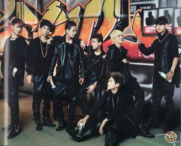 Tags: JYP Entertainment, K-Pop, Got7, BamBam, Jackson, JB, Park Jinyoung (Junior), Choi Youngjae, Kim Yugyeom, Mark, Necklace, Serious